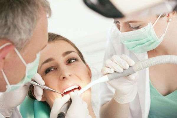 Дешевая имплантация зубов в Москве